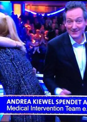 Andrea Kiewel spendet an MIT e.V.  im April 2018